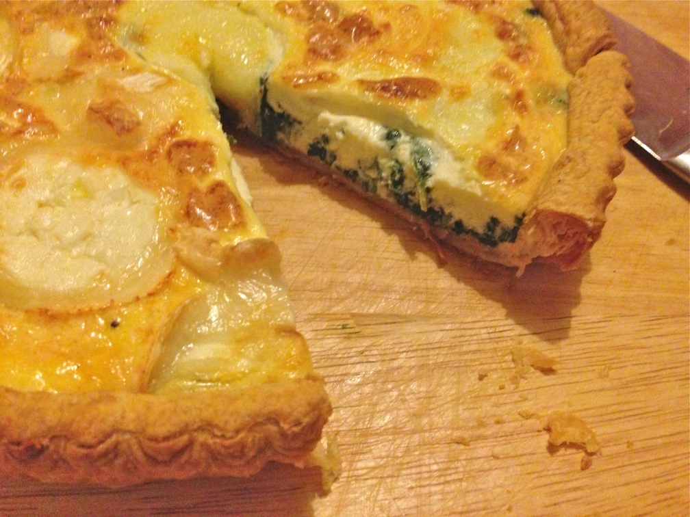 Spinach tart topped with goats cheese / mozzarella6